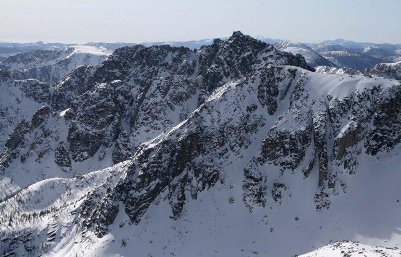 Grimface & Denture Ridge, View SSE <br> (GrimFcMatriar040308-_87.jpg)