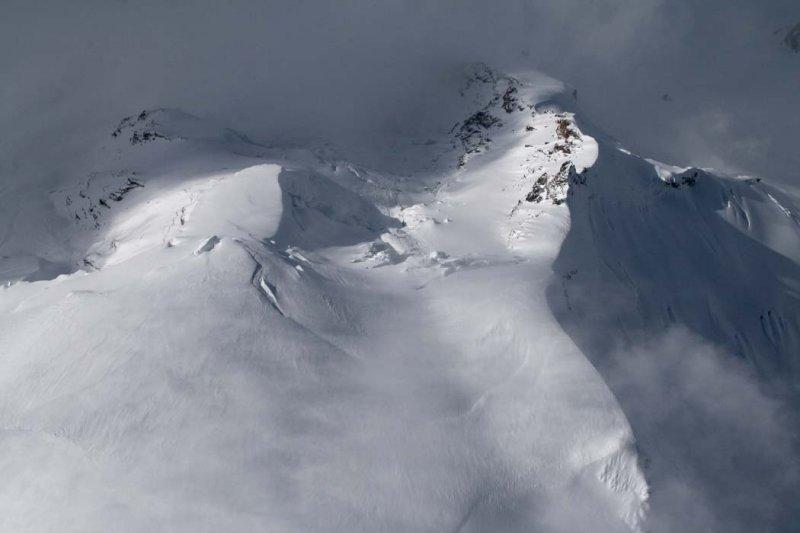 Summit Plateau & View Down N Face <br> (MtBaker042108-_143.jpg)