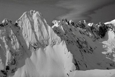 Cloudcap Pk & Jagged Ridge <br> (Cloudcap031410-11adjM.jpg)
