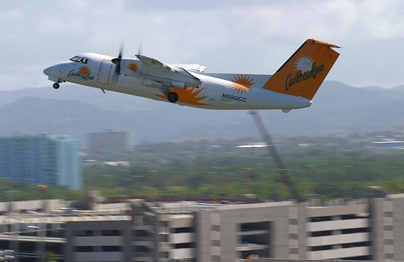 Caribbean Sun Dash-8 leaving SJU