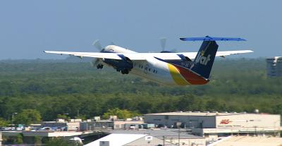 LIAT Dash-8 leaps out of SJU