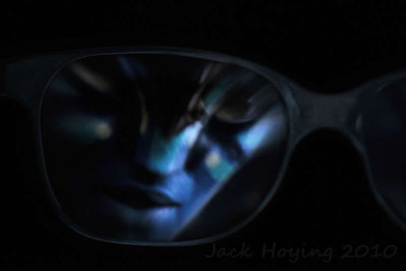 Avatar Reflection in 3D Glasses
