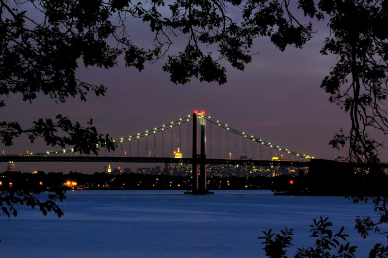 Throgs Neck Bridge- Manhattan Skyline