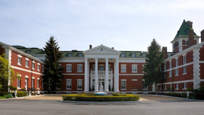 Bourne Mansion, Oakdale