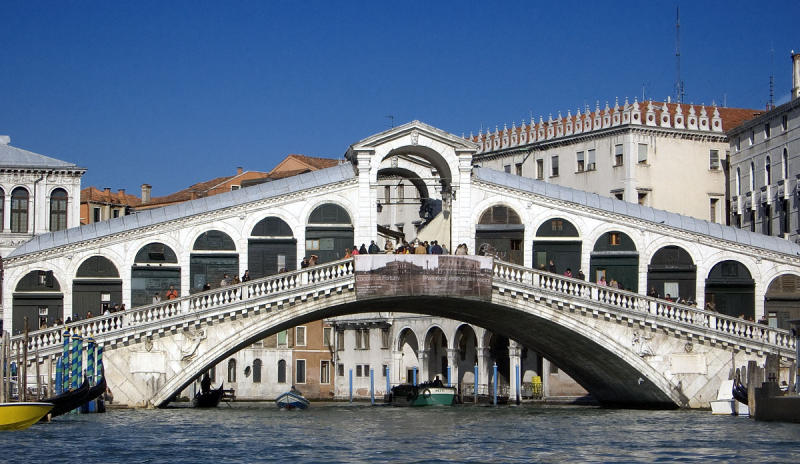 Venice Grand Canal Bridge.jpg