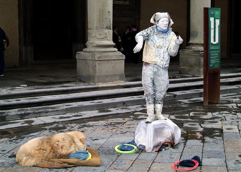 Outside the Uffizi.jpg