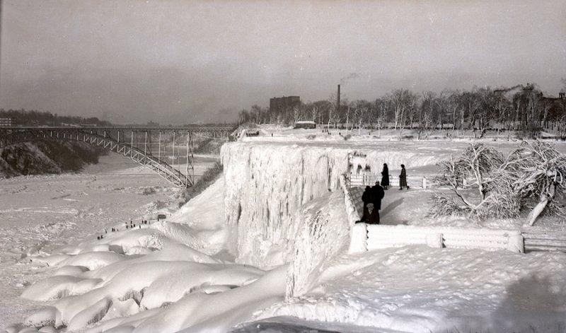 Niagara_Falls_1928.jpg