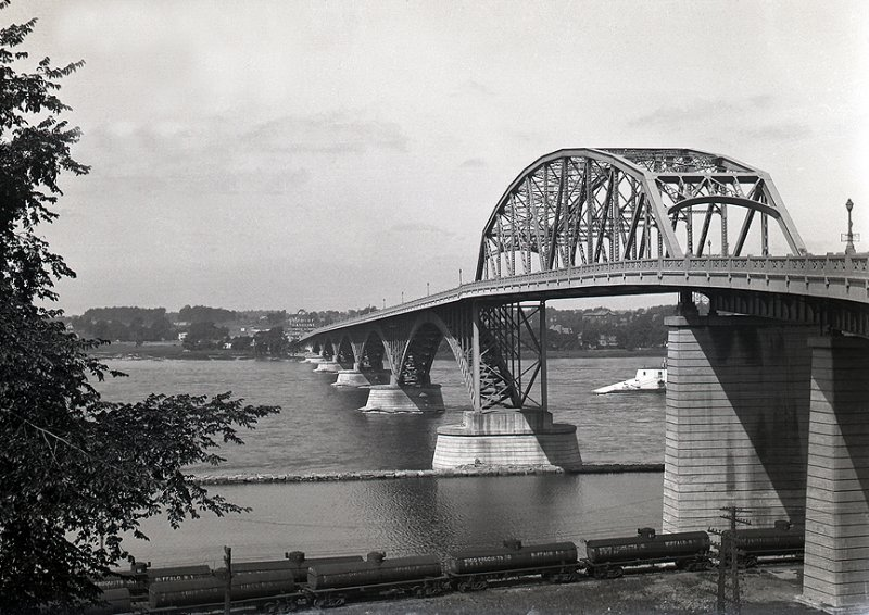 Peace_Bridge_01.jpg