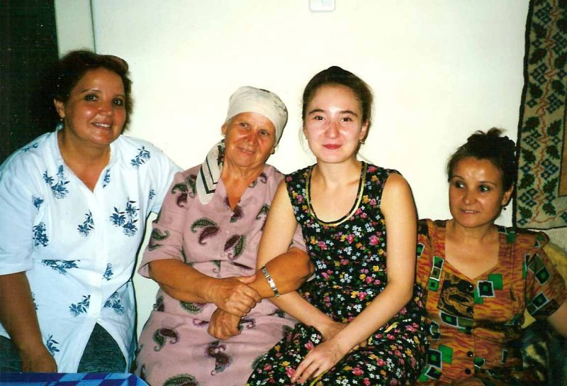 Hilola with her mother Titjana, her aunt and her grandmother