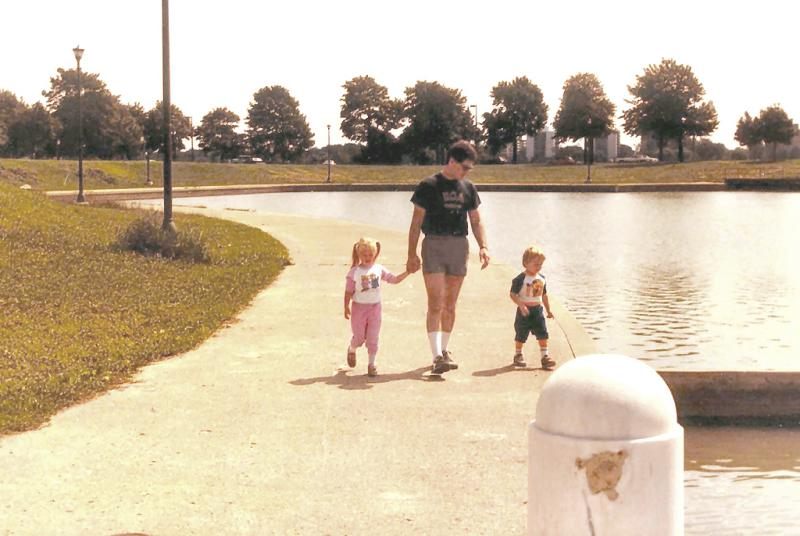 STROLLING  Sept 1984