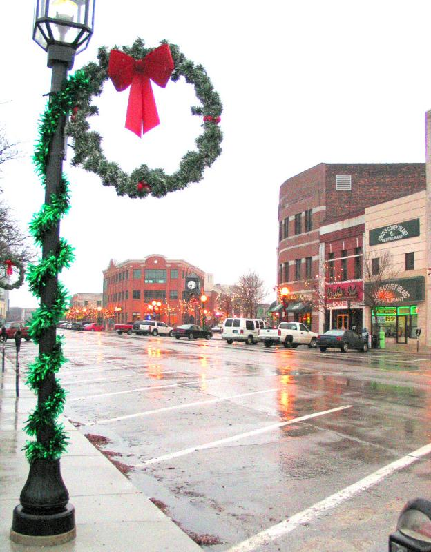 MOUNT CLEMENS MICHIGAN JUST B4 CHRISTMAS 04