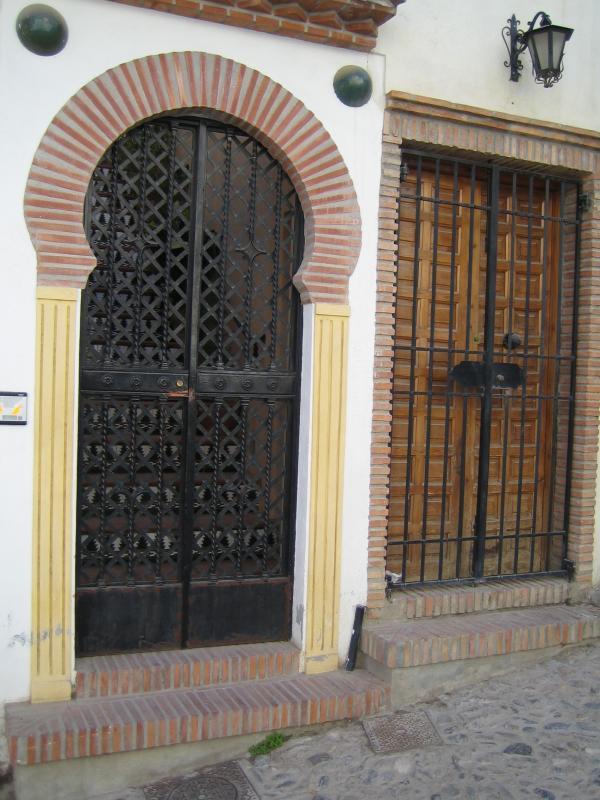 El Albaicín Doorway 01