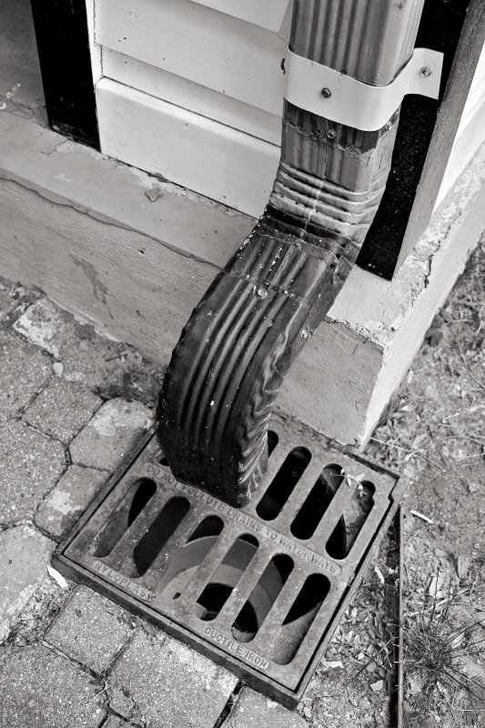 Benny and Jerrys Downspout B&W extreme
