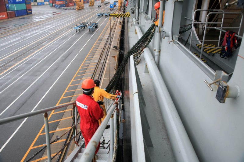 Securing Gangway Safety Netting
