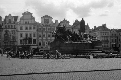 På vei hjem; gamlebytorget og Jan Hus-monumentet