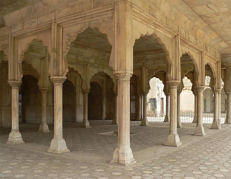 Lahore Fort - Shah Jahans Quadrangle - P1290666.jpg
