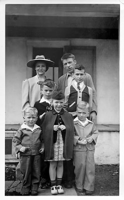 Chester Haring's family in Lyons