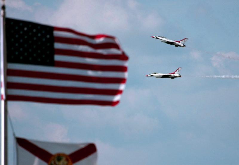 Duet Splitting at flag.jpg
