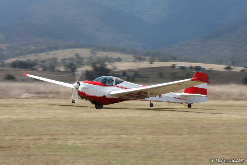 Watts Bridge 30 Aug 08 - Motor Falke Glider