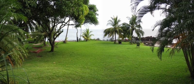 garden at Amor del Mar, Montezuma