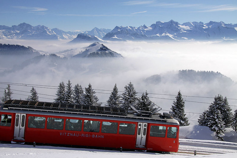 Train to mount Rigi coming from Vitznau