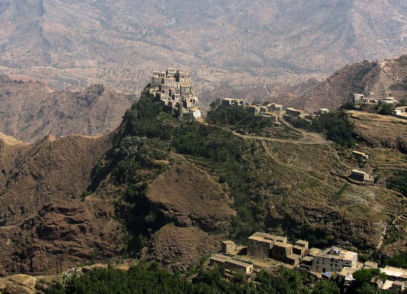 Small village in Al Mahwit area