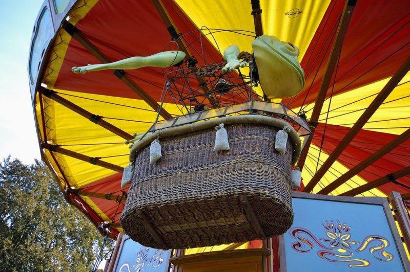 carousel #6