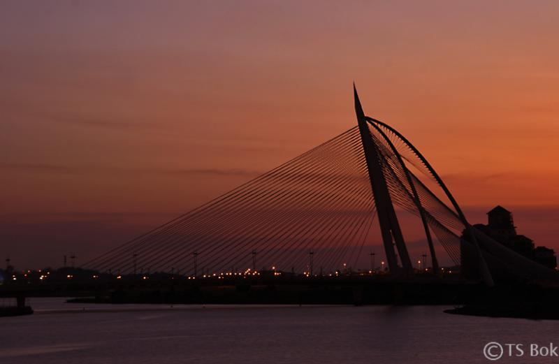 Sunset in Putrajaya.jpg