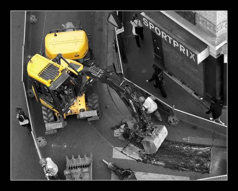 The Yellow Engine - Paris