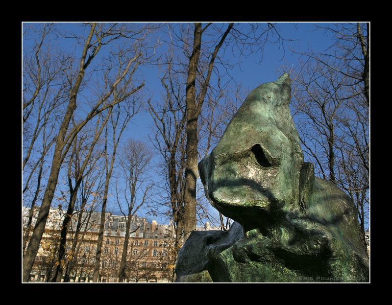 A Gentle Troll - Paris