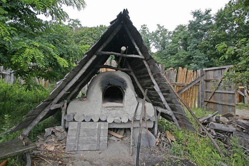 English Colonist Village Oven