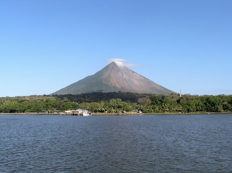 ...and sails across to Ometepe.....