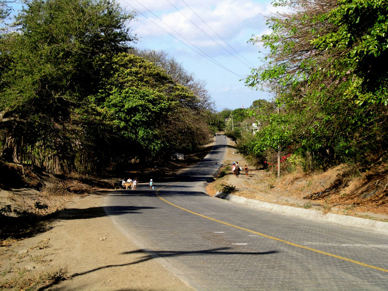 the 24 km road from Moyogalpa to Altagracia is now paved...with bricks