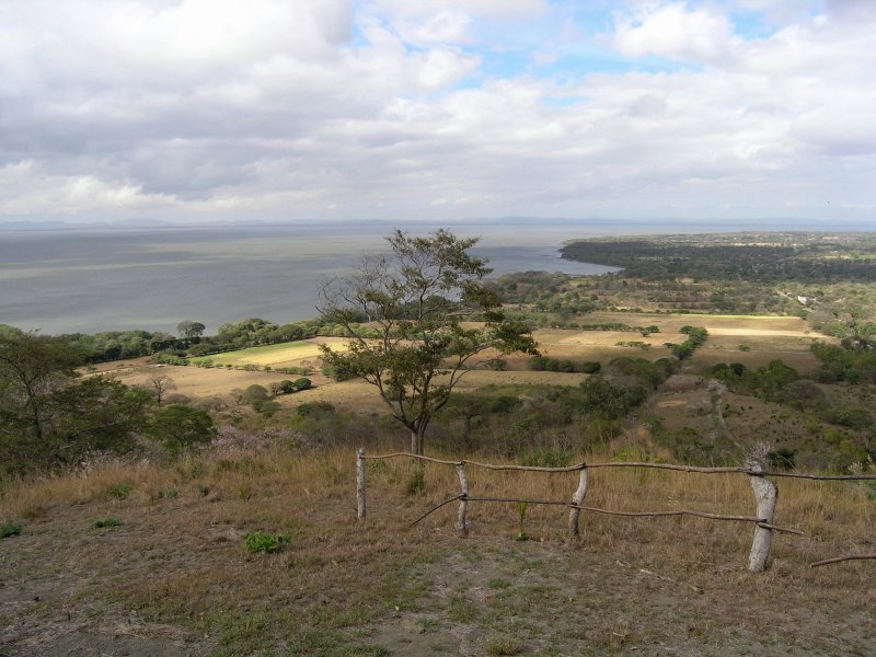 ...theres an overview of the area and the west coast of Ometepe