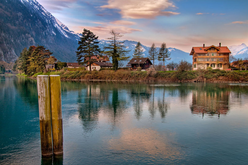 Beams and riverbank, Interlaken (2332)