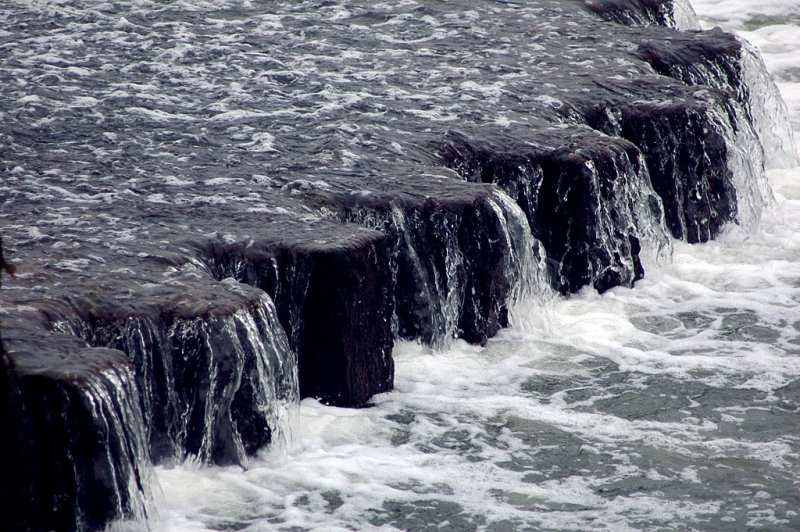 Waterdrop, West Bay (4314)