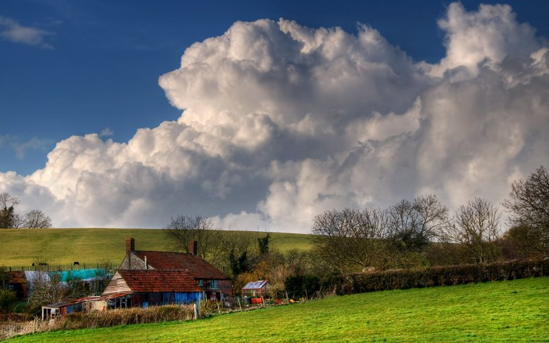 House and cloud, Queen Camel (2283)