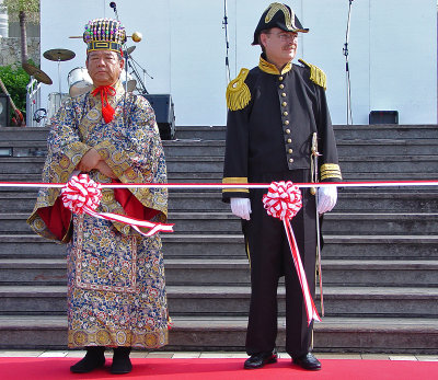 Perry and the king (consul general, Naha mayor)