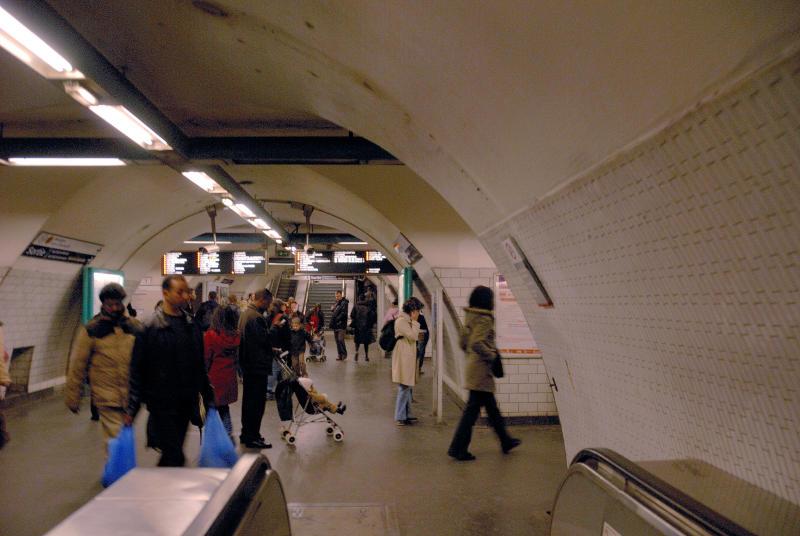 42 - Metro Notre Dame
