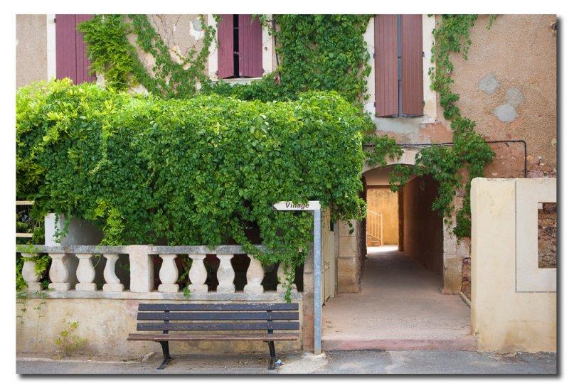 YJ6S2586 Calle de Roussillon.jpg
