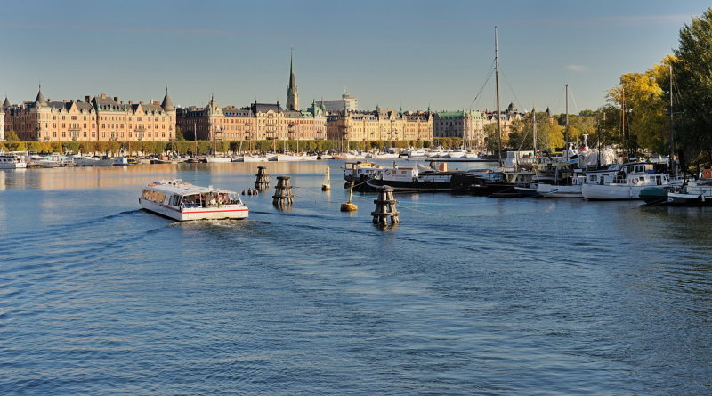 View from Skeppsholmsbron towards Östermalm