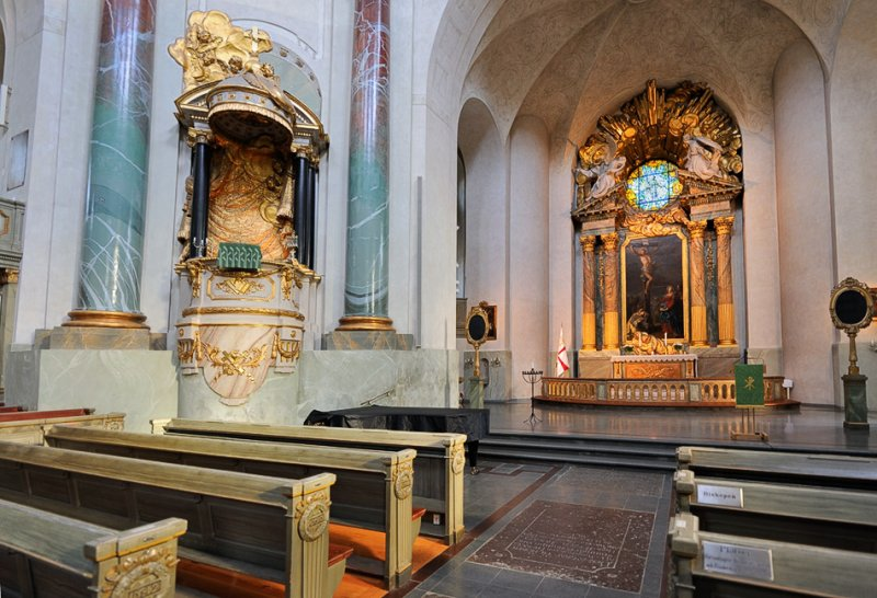 Golden Pulpit and Altarpiece
