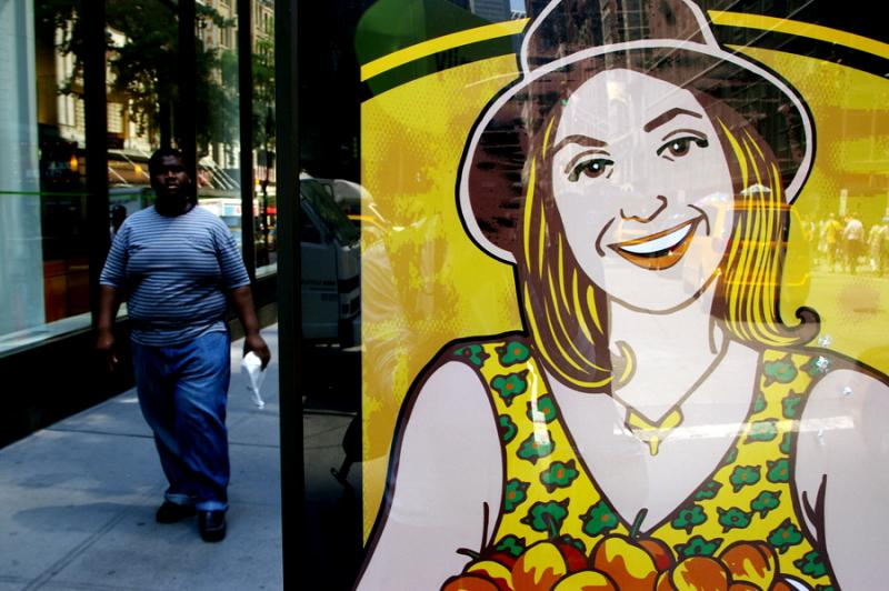Smile, Manhattan -contrast in colours