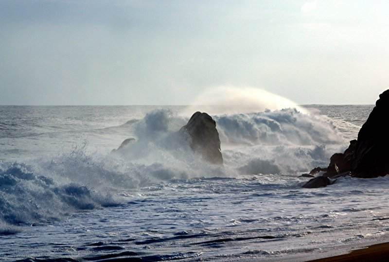 CABO WAVE 8.jpg