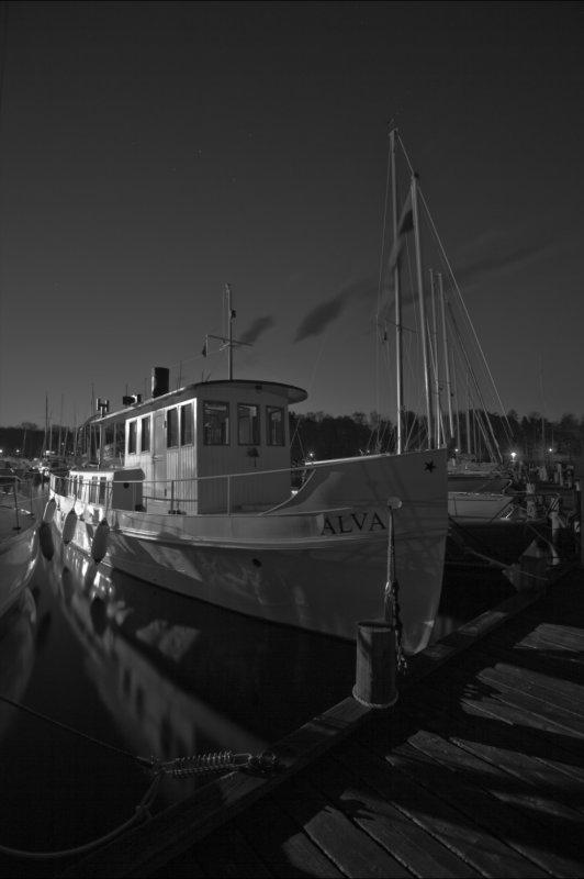 Night_harbour.jpg