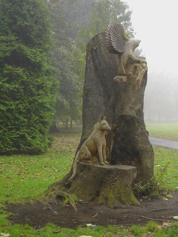 Tree Trunk Carving at Bute Park