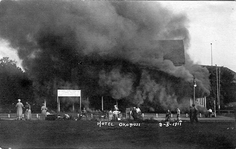 Okoboji Hotel Aug. 5, 1911