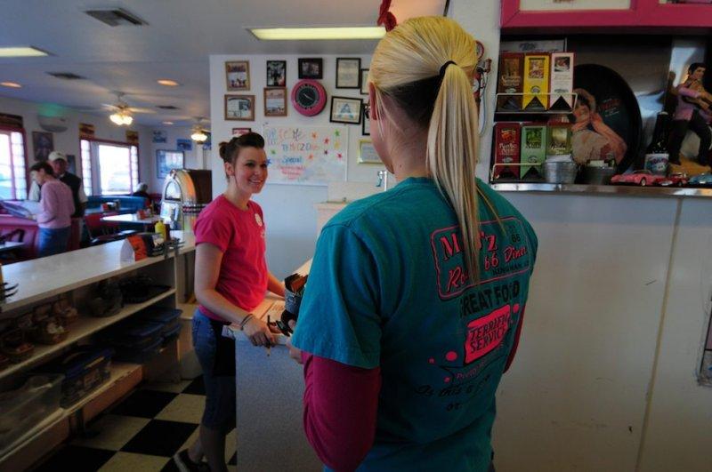 Waitresses at Mr. Dz, Kingman