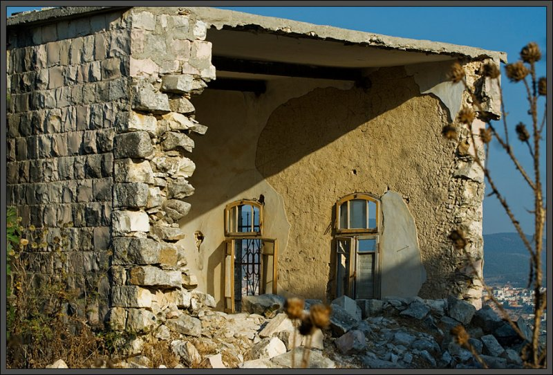 A three wall house... Elkosh, Galilee - Israel