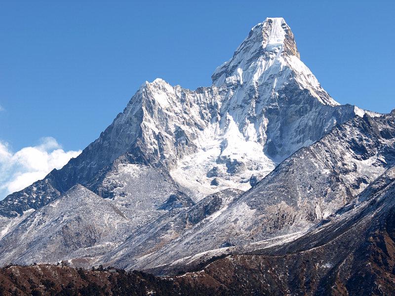 049 - The impressive peak of Ama Dablam